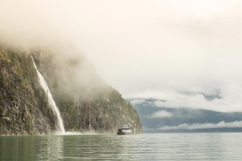 web-Waterfall-in-Toba-Inlet-Desolation-Sound