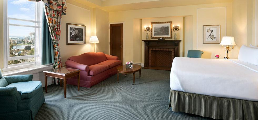 The-Fairmont-Empress-room