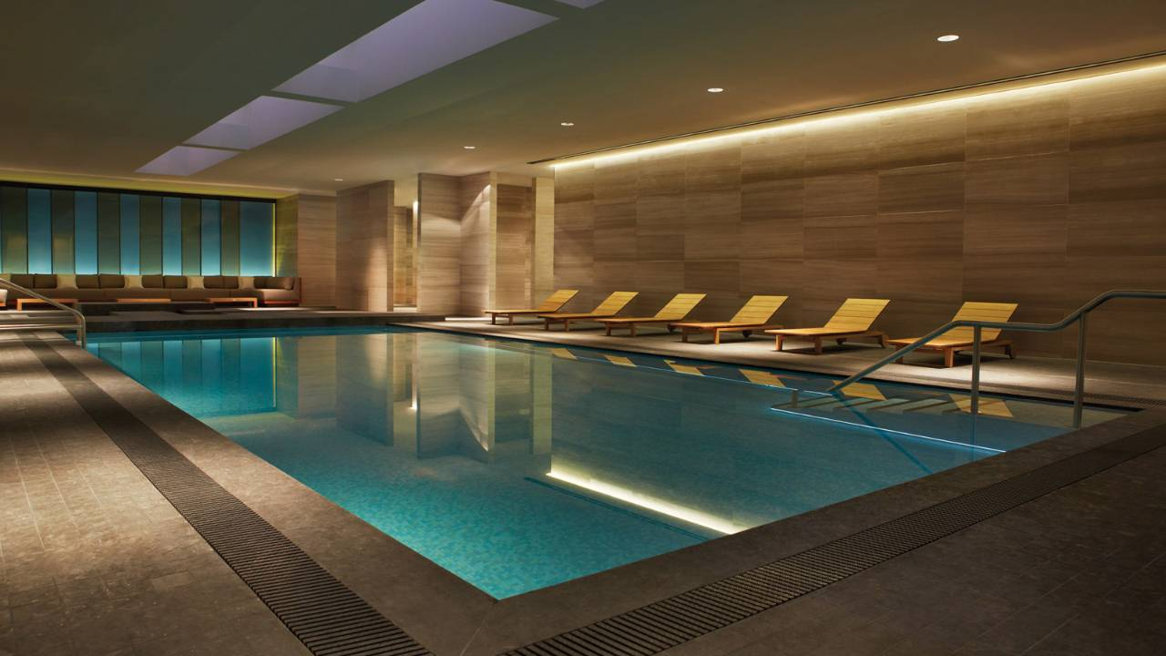 Four-Seasons-Hotel-Toronto-pool